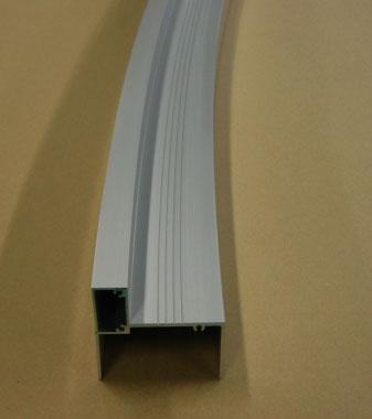 《部材》透光板縦枠 《材質》6063S-T5 《断面サイズ》95×95