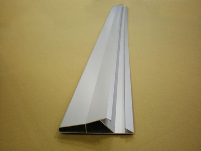 《部材》ルーバー 《材質》6063S-T1 《断面サイズ》120×75