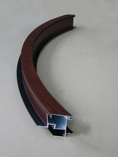 《部材》上枠 《材質》6063S-T5 ラミネート貼り 《断面サイズ》90×40