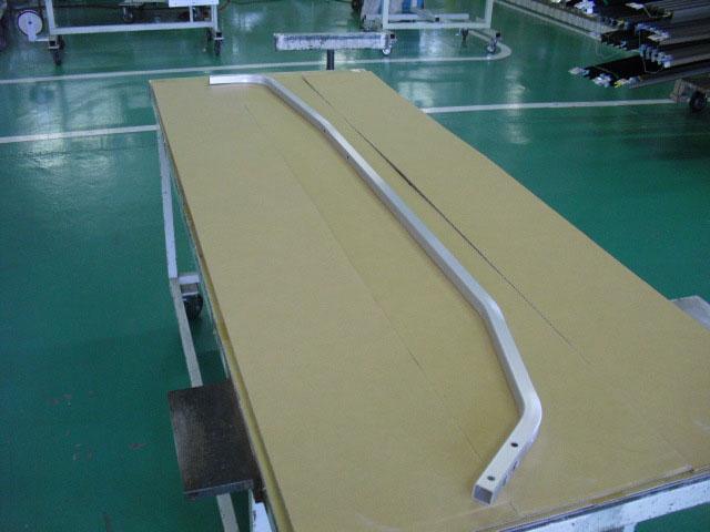 《部材》屋根材 《材質》6063S-T5 《断面サイズ》25×25